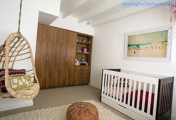 Decorate a baby room in a small room
