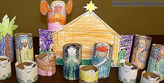 How to make a Christmas nativity scene with rolls of paper