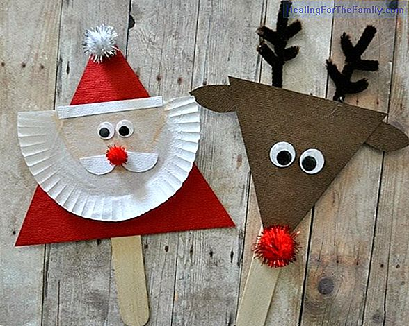 Santa Claus. Craft with ice cream sticks