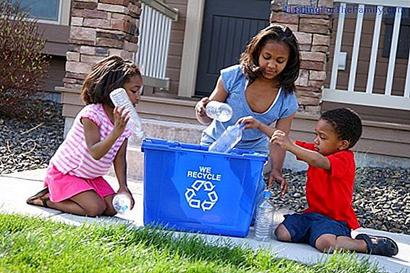 Children learn to recycle on World Recycling Day
