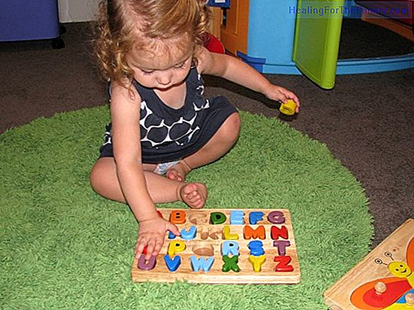 The symbolic game. How it benefits children