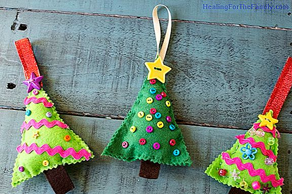 Felt decorations for the Christmas tree. Easy crafts