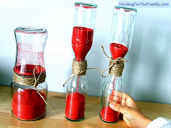 Hourglass with plastic bottles. Craft for children