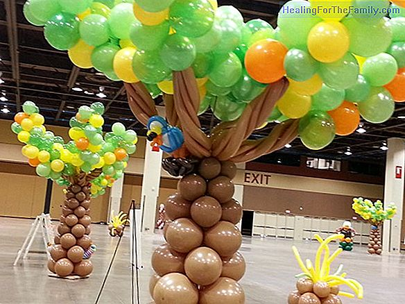 How to make a Christmas tree with balloons