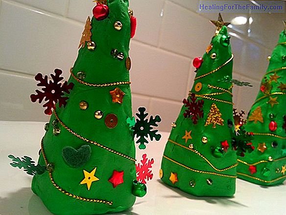 How to make a plasticine Christmas tree