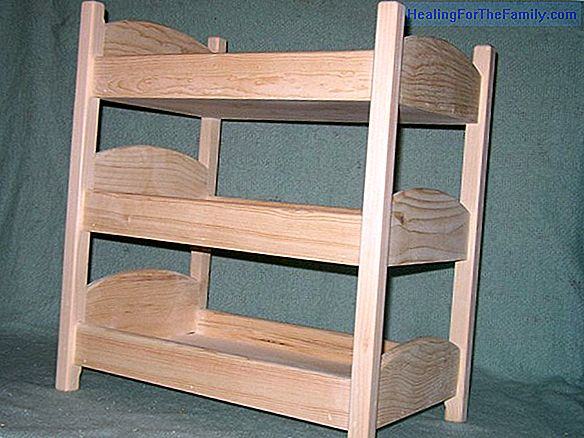 Toy bunks for dolls. Recycling crafts
