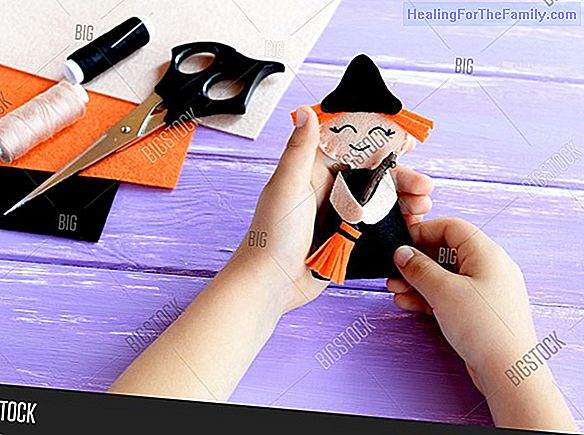 Witch doll. Crafts with felt for Halloween