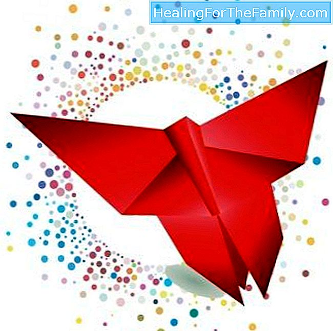 Create an origami butterfly. Crafts for children