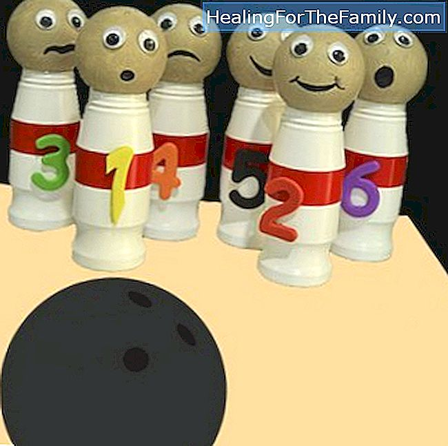 Recycle bowling game. Crafts for children