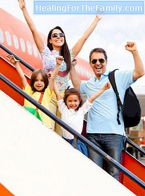 How to get to Athens traveling with children